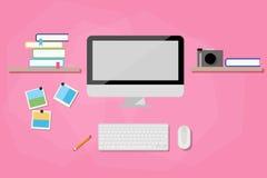 Espacio de trabajo moderno con el ordenador Imagenes de archivo