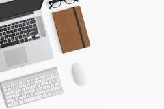Espacio de trabajo moderno con la taza de café, smartphone, papel, cuaderno, t Foto de archivo libre de regalías