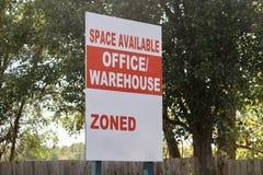 Espacio de Warehouse de la oficina foto de archivo libre de regalías