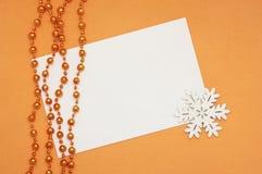 espacio en blanco, copo de nieve y granos Imagen de archivo