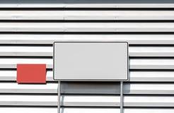 Espacio en blanco de la cartelera para el cartel de la publicidad al aire libre foto de archivo libre de regalías