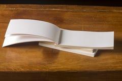 Espacio en blanco del libro de la postal Imagenes de archivo