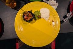 Espacio mexicano Colorfu de la copia del espacio en blanco de la placa del amarillo de la cocina del restaurante Foto de archivo libre de regalías