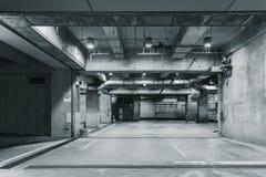 Espacio Pasillo de la fábrica del edificio concreto fotos de archivo