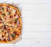 Espacio repartido delicioso de la pizza y del texto fotos de archivo