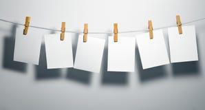 Espacios en blanco del Libro Blanco en cuerda imagen de archivo libre de regalías