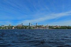 Espacios extensos de Rusia, Volga del gran río con horizonte Foto de archivo libre de regalías