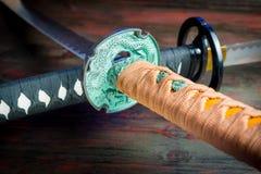 Espada del samurai Armas japonesas medievales imagen de archivo