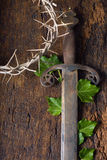 Espada e coroa de espinhos imagens de stock royalty free
