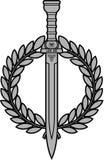 Espada romana com grinalda do louro Fotos de Stock