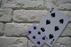 Espadas reales del flash del casino de las tarjetas que juegan póker casino fotografía de archivo