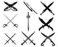espadas y cuchillos Imágenes de archivo libres de regalías