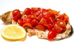 Espadons avec des tomates Images stock