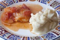 Espadons avec la tomate et les oignons Photos stock