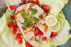 Espadons grillés avec des légumes Image libre de droits