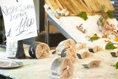 Espadons locaux, en vente à Palerme Photos libres de droits