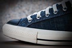 Espadrille bleue Image stock