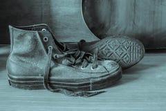 Espadrilles avec noir et blanc Photographie stock