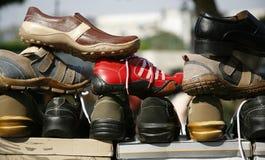 Espadrilles bon marché en vente, Delhi Images stock