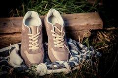 Espadrilles de Brown, les chaussures des hommes Photographie stock