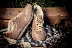 Espadrilles de Brown, les chaussures des hommes Photos libres de droits