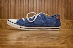Espadrilles de toile bleues Photo stock