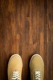 Espadrilles de Trevelaing sur le fond en bois Photos stock