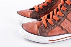 Espadrilles en cuir modernes avec le chemin de coupure Photo stock