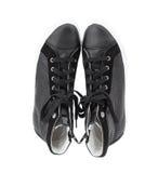 Espadrilles en cuir perforées noires Images stock