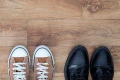 Espadrilles et chaussures formelles Photos libres de droits