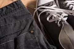 Espadrilles et jeans Photo libre de droits