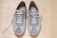 Espadrilles grises de couleur Photos libres de droits