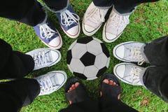 Espadrilles, le football Photos libres de droits
