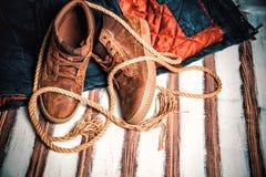Espadrilles pour marcher, vêtements élégants Photographie stock libre de droits