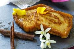 Espagnol traditionnel torrijas (pains grillés français) Dessert de semaine sainte Photos libres de droits
