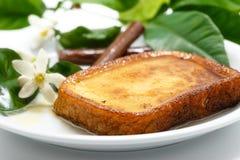 Espagnol traditionnel torrijas (pains grillés français) Le dessert de a prêté Images stock