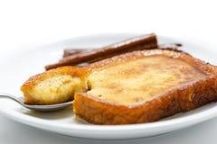 Espagnol traditionnel torrijas (pains grillés français) Le dessert de a prêté Photos stock