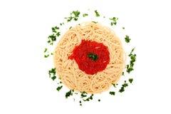 Espaguete caseiro delicioso com molho do tomatoe imagens de stock