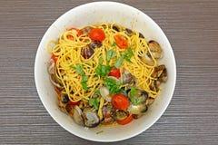 Espaguete com moluscos Fotos de Stock Royalty Free