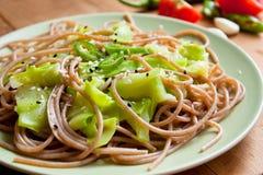 Espaguete com zucchini imagens de stock royalty free