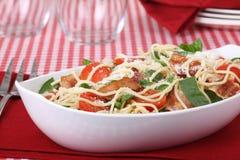 Espaguete do tomate do bacon fotos de stock