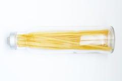 Espaguete em um frasco Fotografia de Stock
