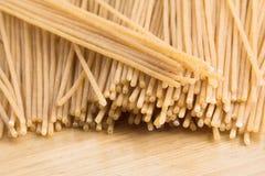 Espaguete inteiro do trigo imagem de stock royalty free