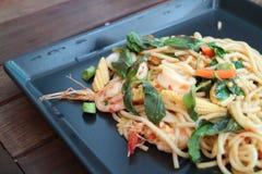 Espaguete picante fritado Stir com marisco Foto de Stock Royalty Free