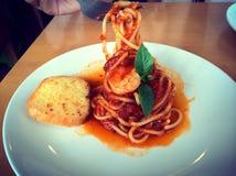 Espaguetes com camarão picante Fotos de Stock