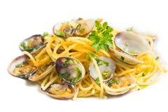 Espaguetes com moluscos e bottarga Imagem de Stock Royalty Free