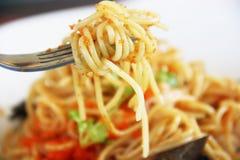 Espaguetes com ovos do camarão Fotos de Stock Royalty Free