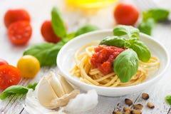 Espaguetes com tomates Foto de Stock Royalty Free