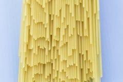 Espaguetes crus da massa Foto de Stock Royalty Free