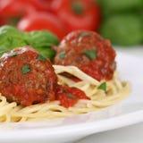 Espaguetes italianos da culinária com refeição da massa dos macarronetes das almôndegas Imagem de Stock